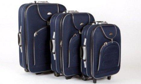Kufor na cesty - sada troch cestovných kufrov.